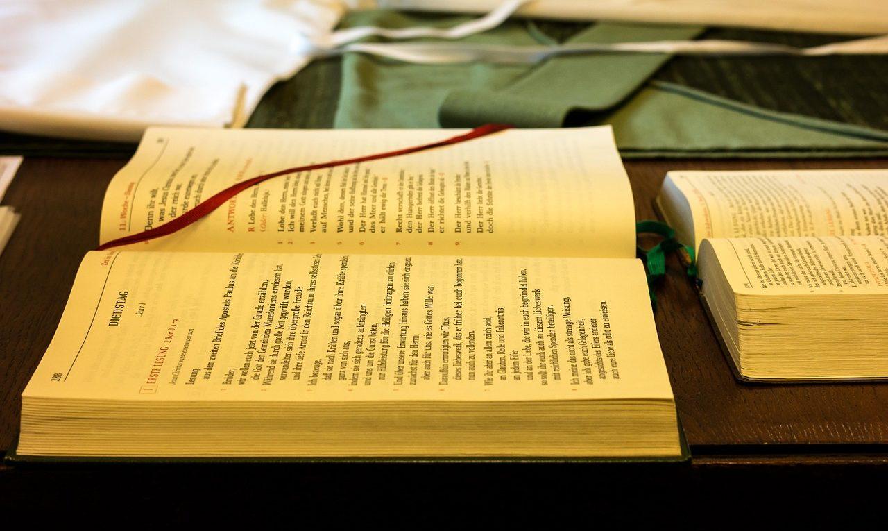 biblia - Robinson Tobón